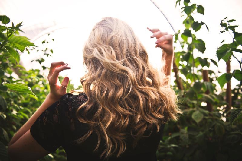 întinerești părul