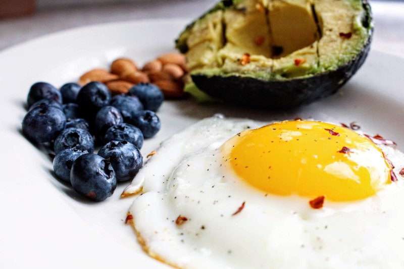 alimente care te ajută să te trezești dimineața