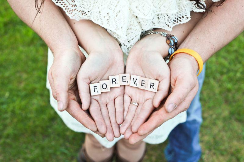 să-l păstrezi mereu îndrăgostit de tine